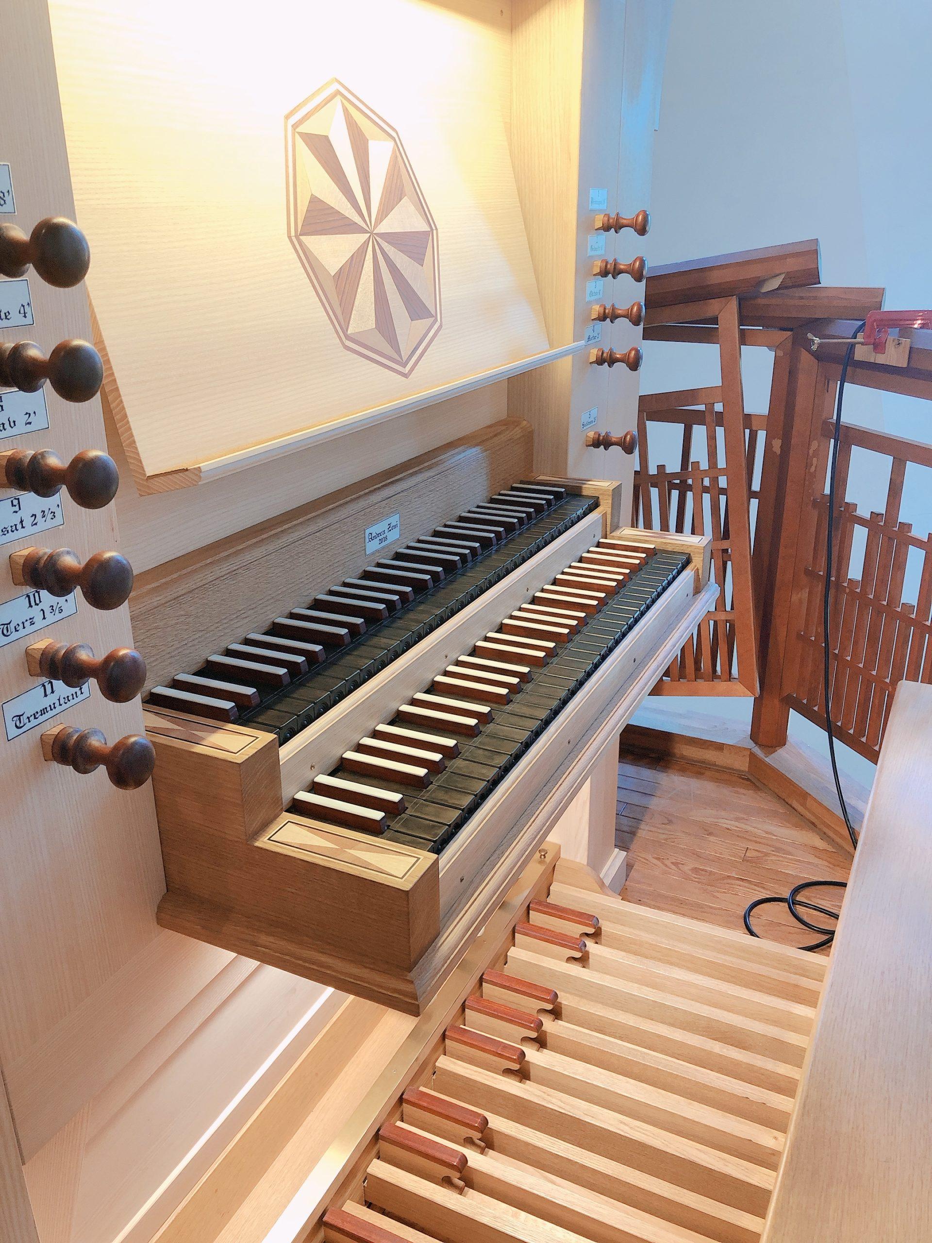 オルガンの演奏台