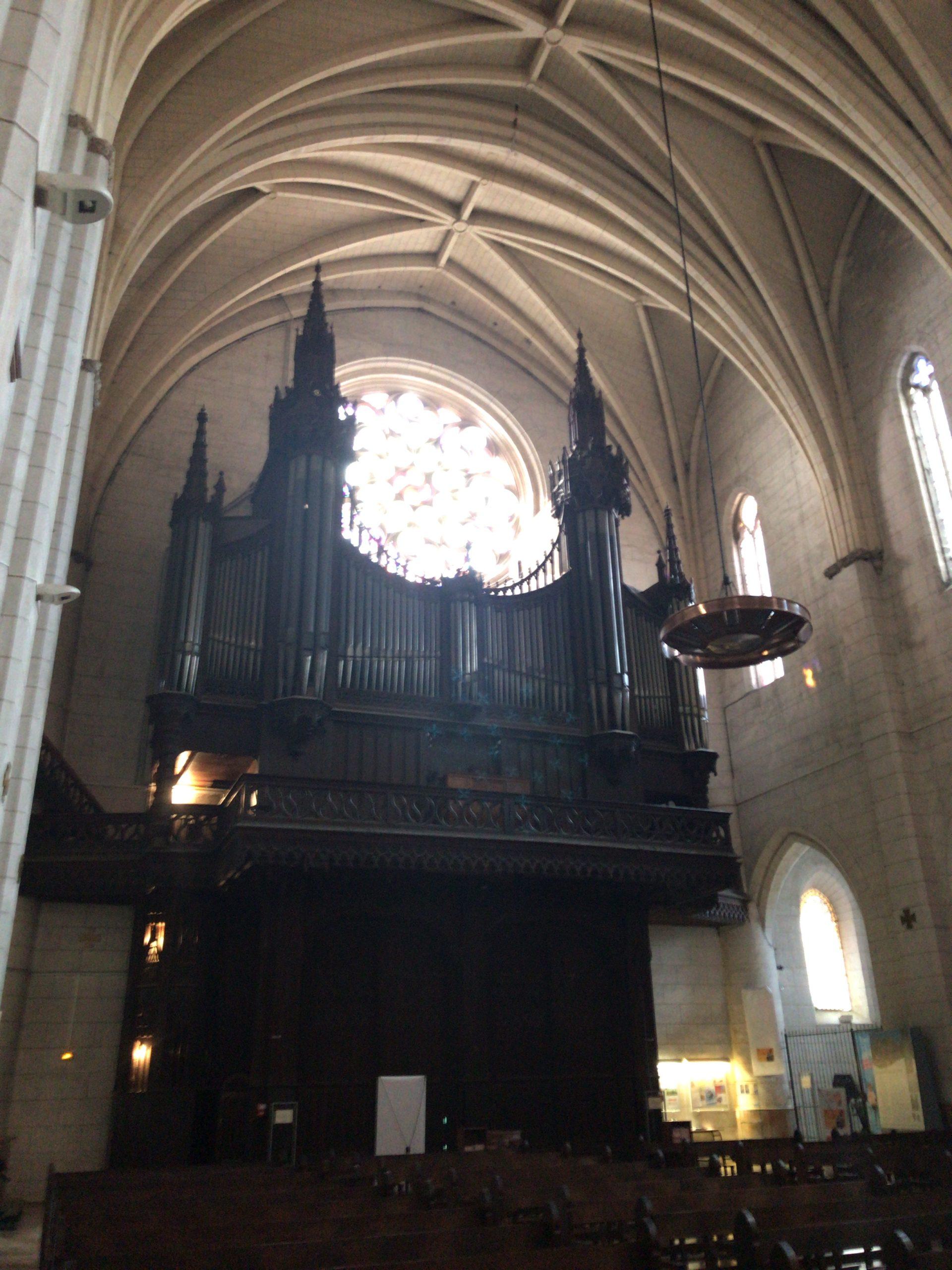 ダルバード聖母教会のピュジェオルガン